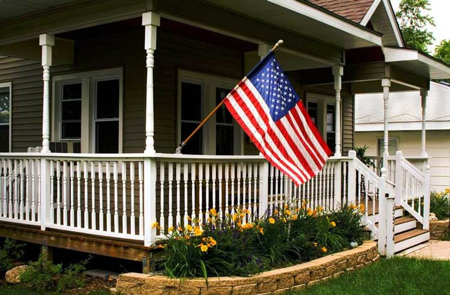 Which one is better, a military loan or FHA refinancing?